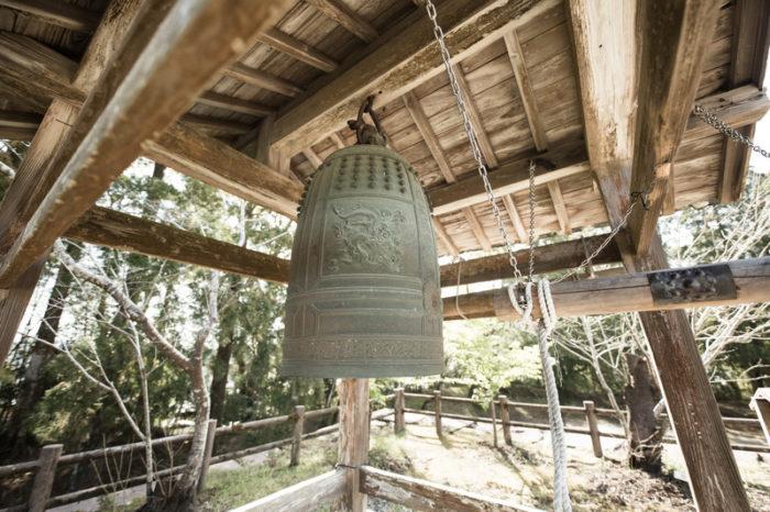 お寺の鐘がなります