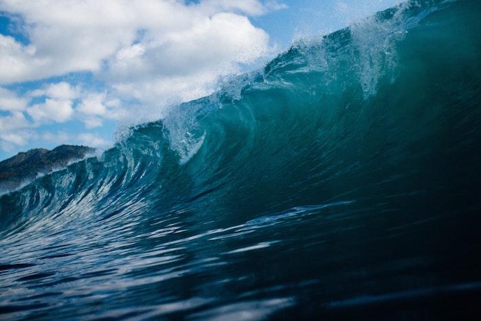 波になりきる